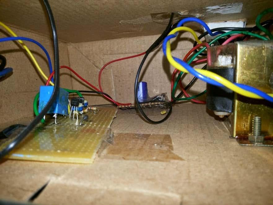 Self Regulating Battery Charger Circuit